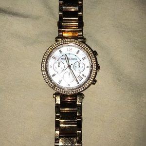 Mk watch!